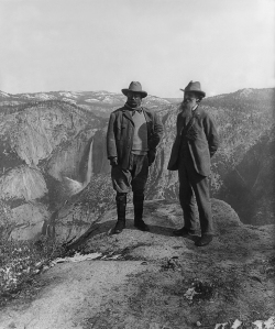 Muir_and_Roosevelt_restored