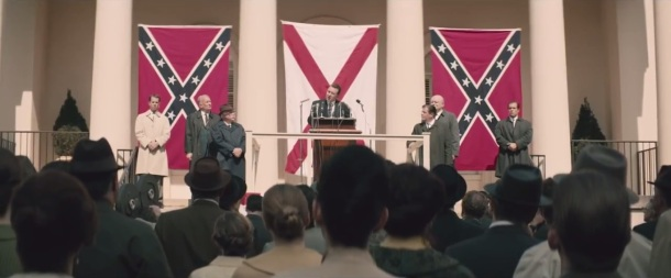 selma-governor-george-wallace-played-by-tim-roth-addresses-crowd