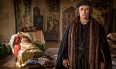 Mark Rylance as Thomas Cromwell and Claire Foy as Anne Boleyn in Wolf Hall